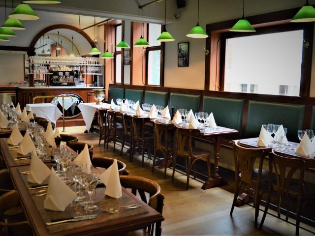 Le Scheltema Salle priée à l'étage avec commodités, cuisine et bar privés